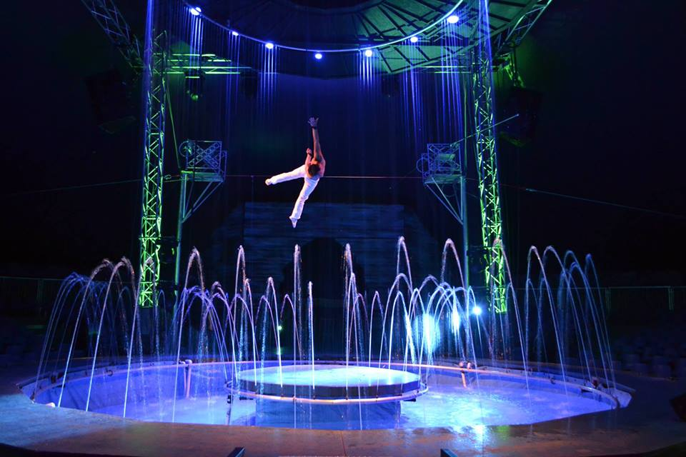 Cirque Italia brings Old World charm and dazzling entertainment, including a water stage, to Wilmington International Airport this weekend. Photo courtesy Cirque Italia.