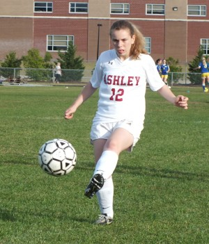Nina Hinkley warms up prior to Tuesday's match.