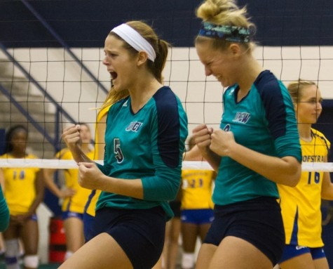 The UNCW volleyball team is off to a 3-0 start.