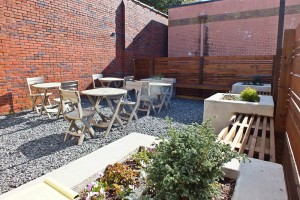 Luna Caffe's new outdoor patio. Photo by Hannah Leyva.