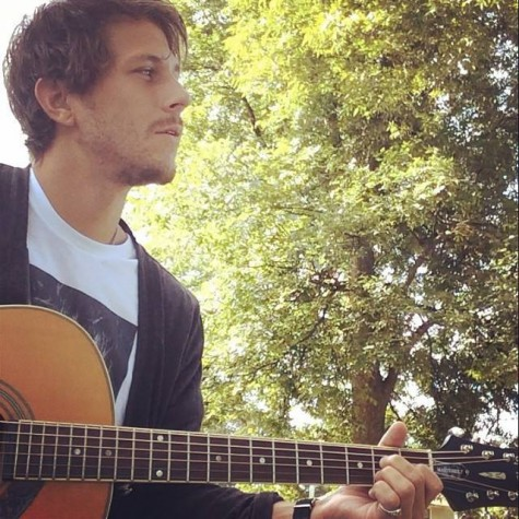 Local singer/songwriter Ashton Stanley performs a free show at Flytrap Brewing Friday.