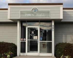 Wrightsville Beach Town Hall. Photo by Hannah Leyva.