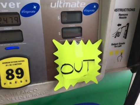 A pump at the BP gas station in the Landfall Center displays an out sign on their gas pump. (Photo by Mike Kane.)