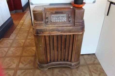 """This radio is, according to Konstantinos Fontanas, a tube-powered mid-1940s original.   """"It's only missing one tube now, I've fixed it up,"""" he said. """"Soon I'll have it up and running."""""""