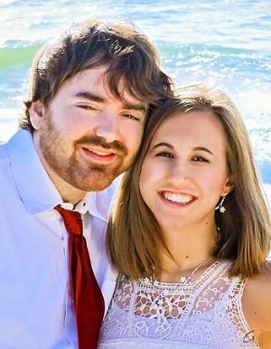 Sara Lindsey Provance and Travis Edward Stephens are engaged to be married March 2017.