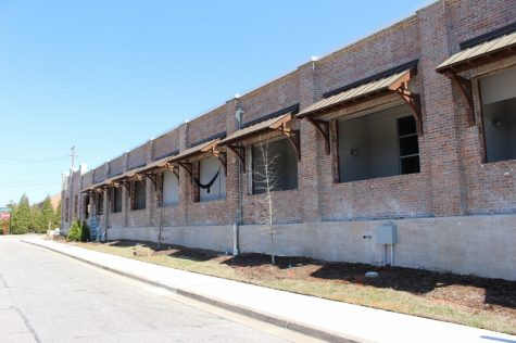 The warehouse renovations at the southern end of 2nd St. (Photo Benjamin Schachtman)