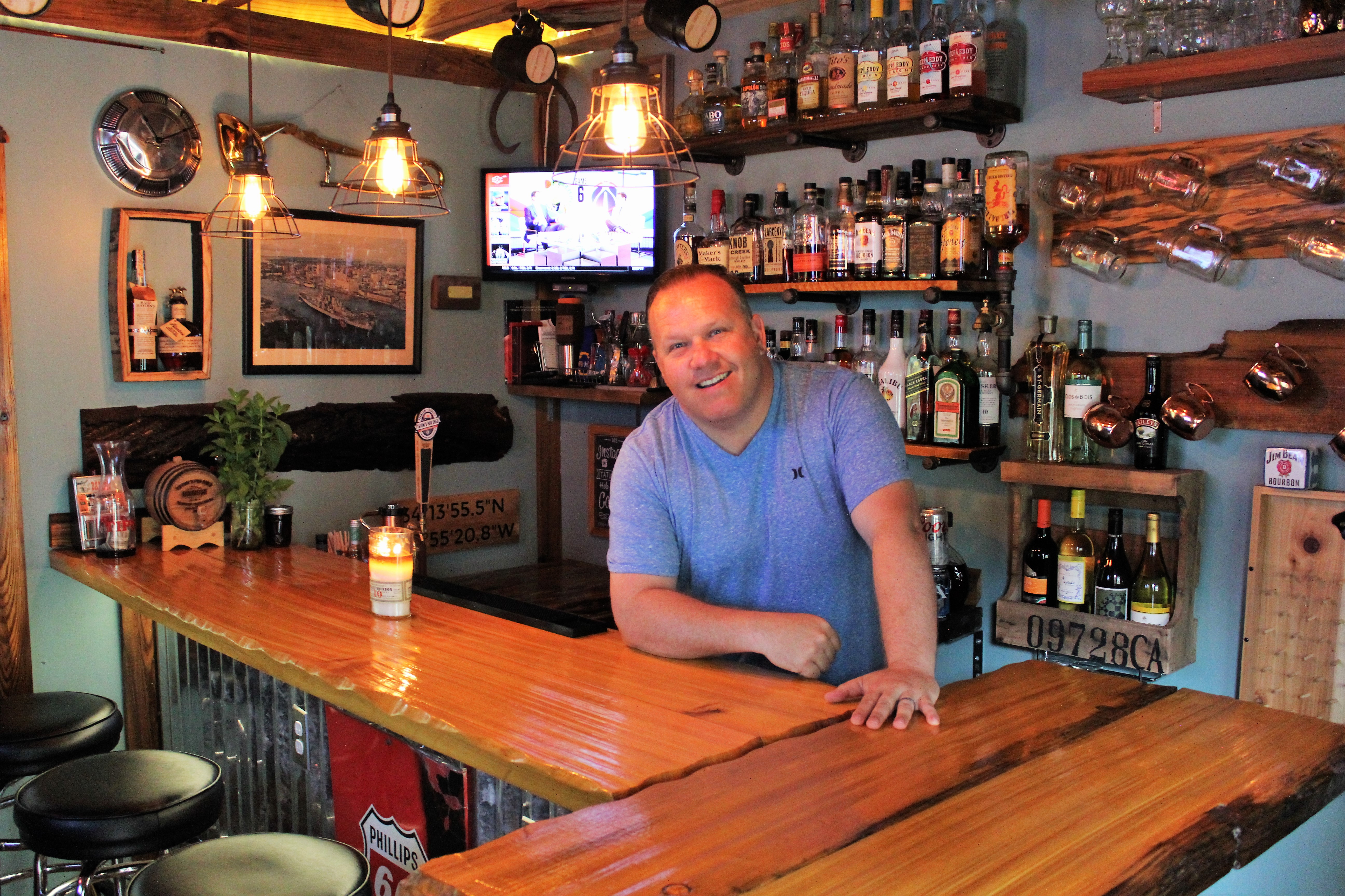 Where We Live: Backyard \'pub shed\' celebrates all things Wilmington ...