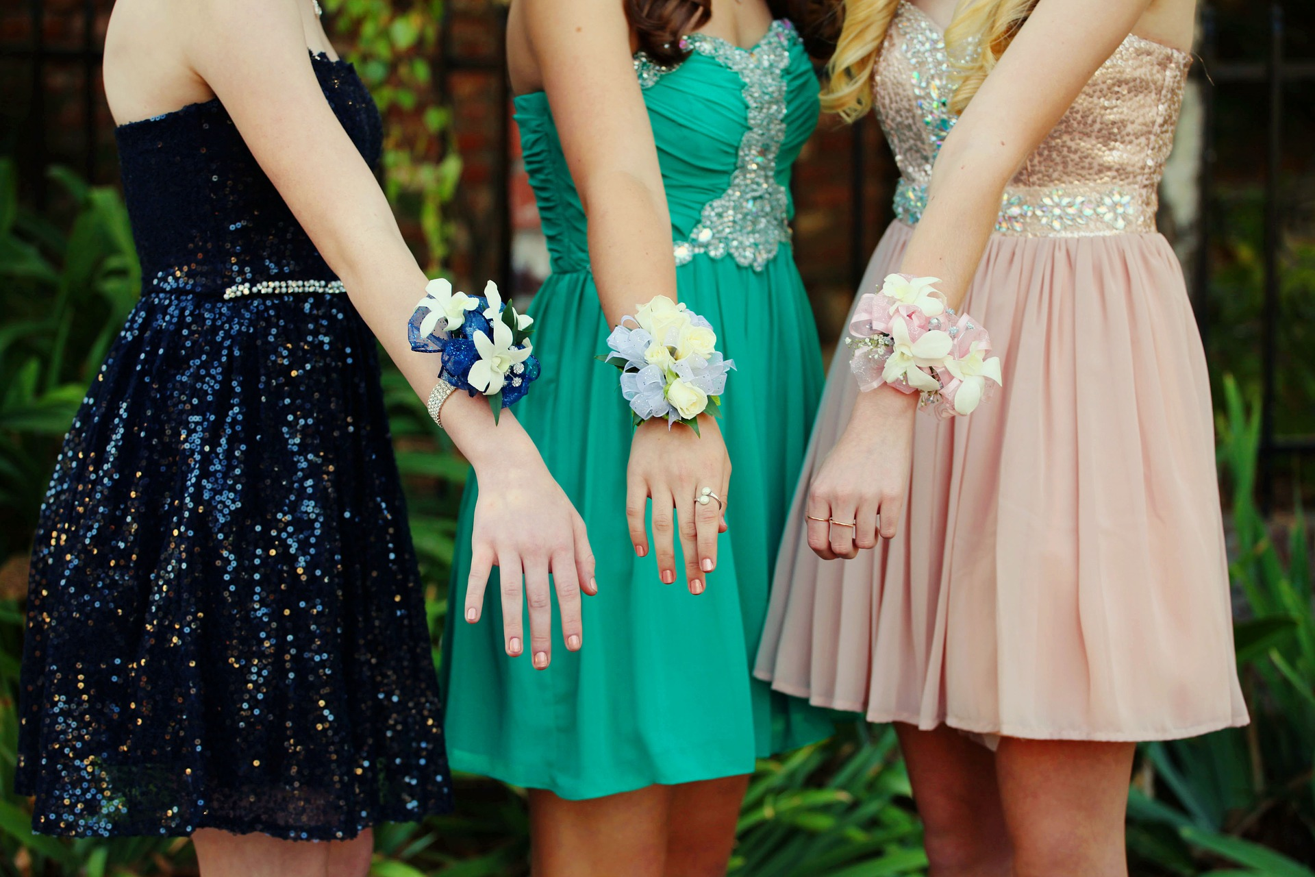 Prom Closet offers free formal dresses, shoes and accessories to ...